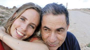 """קתרין עם גדעון לוי, מתוך """"מחוברים 2"""", HOT3 (מתוך מחוברים 2)"""