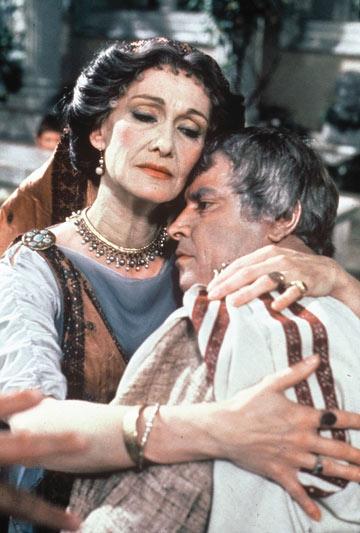 """תווי פנים קפואים. הקיסרית ליוויה ל""""אני, קלאודיוס"""""""