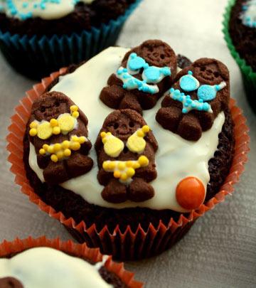 מי שלא צייר ביקיני משוקולד לבן על עוגיות זהבה לא ידע שמחה מימיו. נבחרת כדורעף החופים (צילום: בישול בזול)