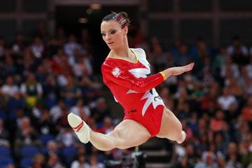 נצנצים בשיער. מתעמלת מנבחרת פולין (צילום: gettyimages)
