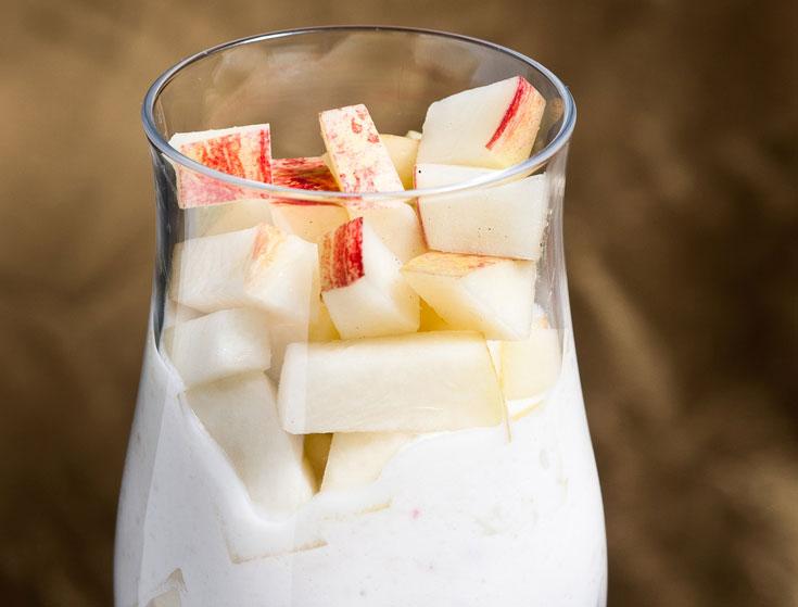 הרכות מגיעה מהגבינה. גלידת אפרסקים (צילום: דן חיימוביץ', כלים: ''ארטמיס'', קיבוץ מעברות)