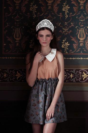 מונה. שמלות, חצאיות וחולצות בסגנון רטרו (צילום: יפעת ורצ'יק)