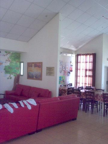הסלון ופינת האוכל, ''לפני'' (באדיבות סטודיו BLV)