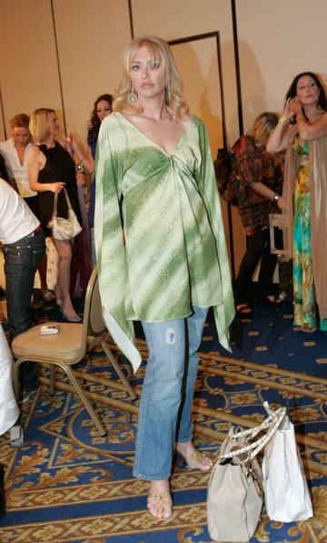 מיכאלה ברקו בתצוגת אופנה של ירון מינקובסקי, 2008 (צילום: רפי דלויה)