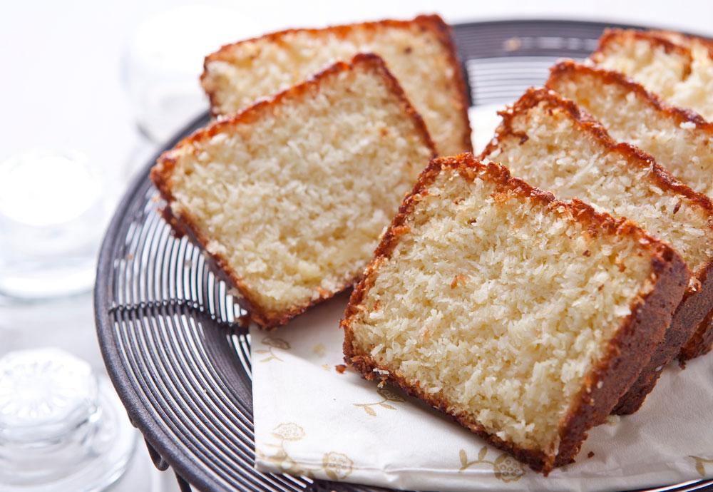 עוגת תפוזים וקוקוס (צילום: שירן כרמל, סגנון: שרון טמיר)