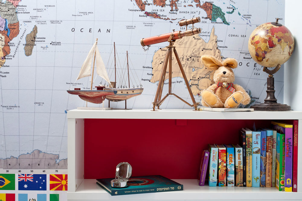 חדרו של מריאן. המטרה: לקחת את את הילד למקומות רחוקים (צילום: בועז לביא)
