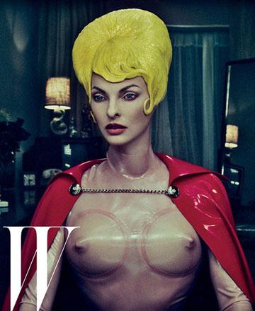לינדה אוונג'ליסטה למגזין W. הפקת אופנה שערורייתית