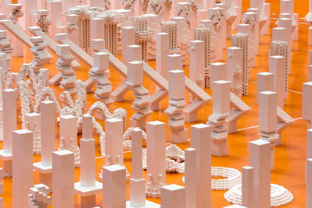 עבודה של המשרד ההולנדי MVRDV, המציגה 676 מגדלים בקנה מידה של 1:1000  (צילום: Frans Parthesius)