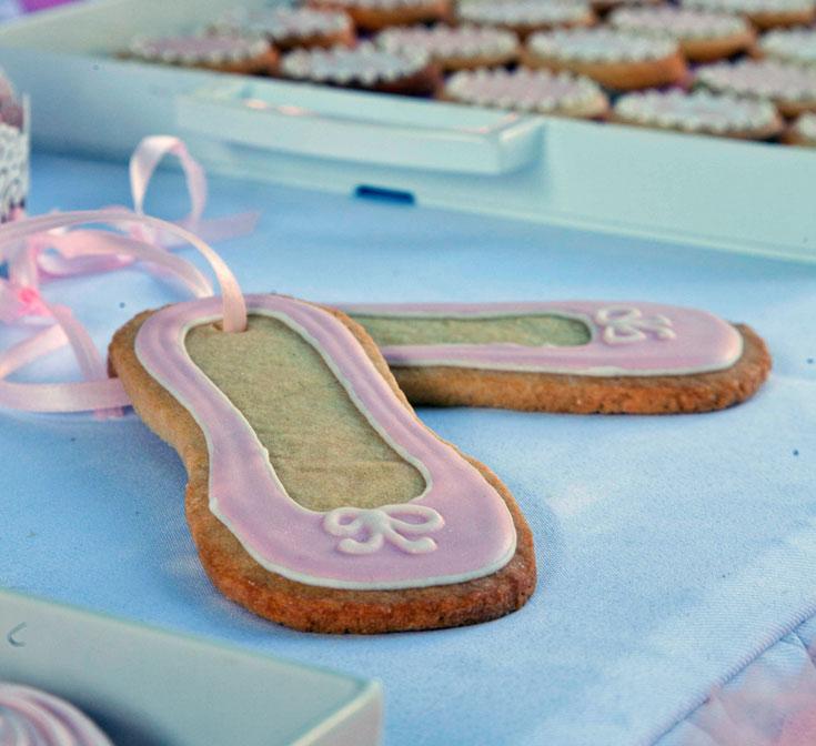 פלייה, רלווה, מנז'ה. עוגיות בצורת נעלי בלט (צילום: דניאל לילה)