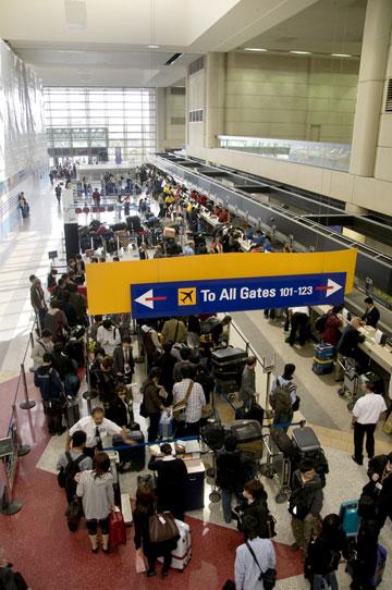 שדה תעופה. טיסות הן עניין מלחיץ בכל מקרה (צילום: william_casey/shutterstock)