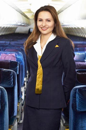 לדיילות יש קוד לבוש ברור, אבל מה לגבי הנוסעים? (צילום: thinkstock)