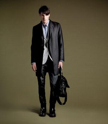 רנואר. בגדי גברים מחויטים ואיכותיים (צילום: אלון שפרנסקי)