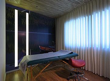 חדר העיסויים, עם תקרת במבוק (צילום: עוזי פורת)