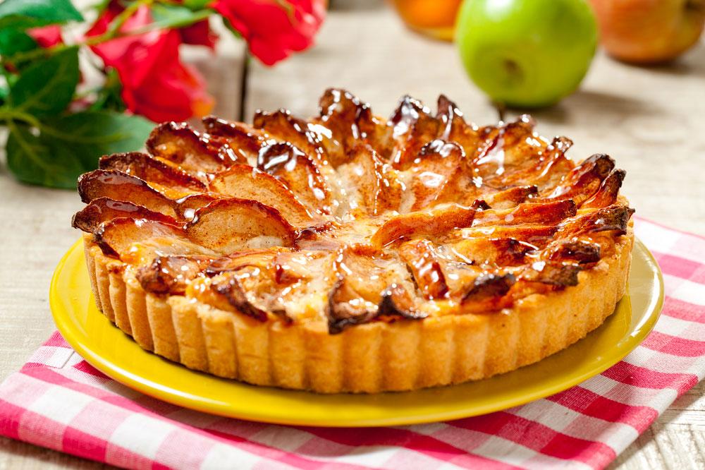 עוגת תפוחים עם קרם דבש (צילום: בועז לביא)