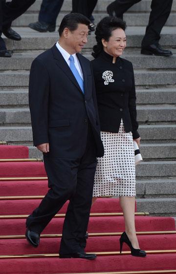 מישל אובמה החדשה? פנג ליואן עם שי ג'ינפינג (צילום: gettyimages)