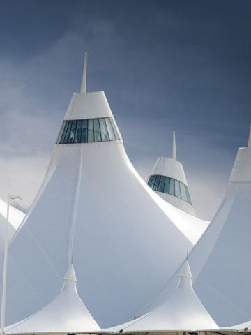 אוהלים בשלג. דנוור (צילום: shutterstock)