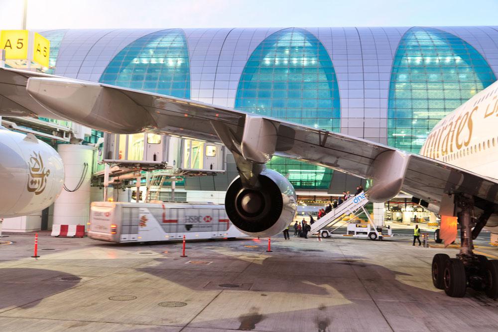 - ואותהאליפטיות בולטת גם מרחוק, כאשר נערכים לטיסה עצמה או מתקרבים אחרי הנחיתה לשרוולים (צילום: Nadezhda1906/shutterstock)