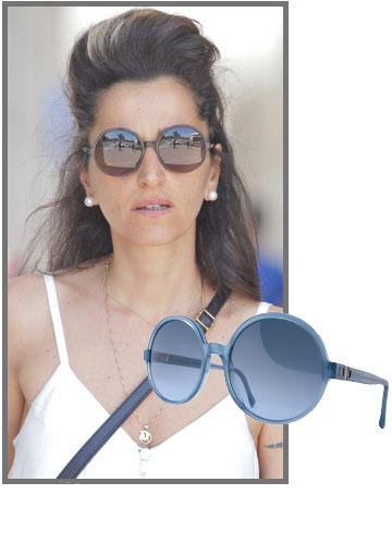 דורין אטיאס מתוקתקת עם משקפי שמש של מייקיטה לדיוק אופטיקס (מחיר: 2,900 שקל) (צילום: שוקה כהן)
