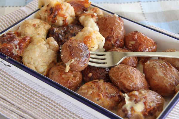 תפוחי אדמה מוקרמים עם כרובית (צילום: אסנת לסטר)