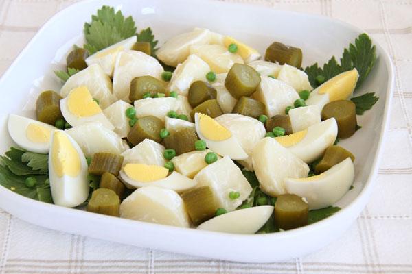 סלט תפוחי אדמה בנוסח יוצאי גרמניה (צילום: אסנת לסטר)