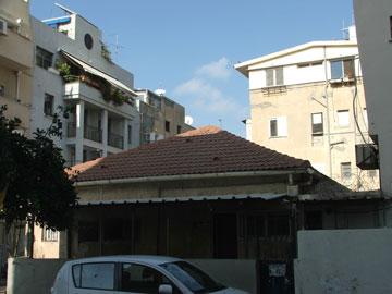 גן ילדים סגור ברחוב גנני. דוגמה למבני ציבור מוזנחים בפלורנטין (צילום: עילם טייכר )