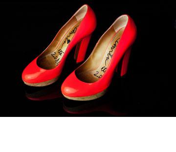 """נעלי עקב אדומות, לנוון. """"רציתי אותן המון זמן ולא הצלחתי להשיג אותן, עד שבמקרה באחד הביקורים שלי בפריז מצאתי אותן ועוד במידה שלי. הסבלנות משתלמת"""" (צילום: ענבל מרמרי)"""
