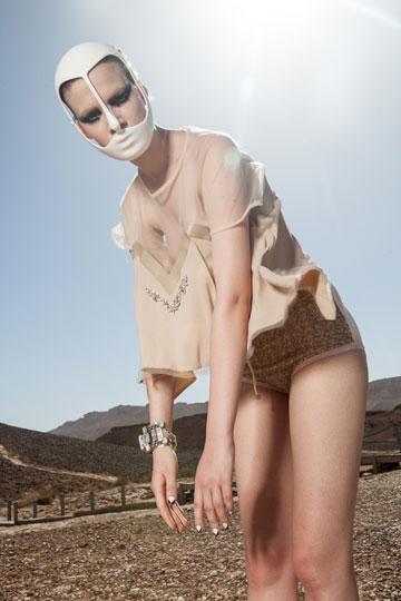 """מתוך התערוכה DUNE 13. בהשראת דמויות מהספר """"חולית"""" (צילום: רון קדמי)"""