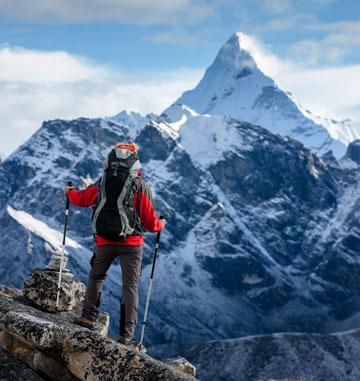 """""""אתה לא מחליט אם לטפס על ההר, ההר מחליט אם אתה תטפס עליו"""" (צילום: shutterstock)"""