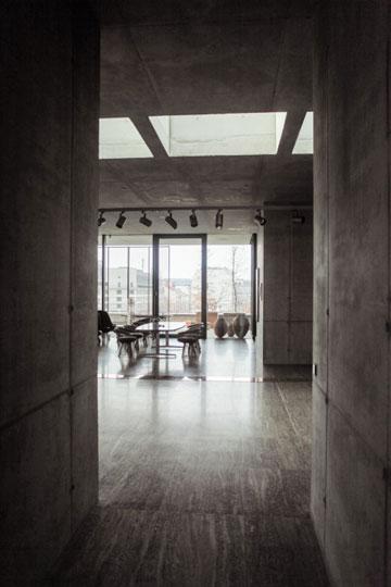 """האדריכלים לא האמינו שאפשר להפוך את המבנה לבית מגורים. """"תשכח מזה"""", אמרו ללקוח (צילום: Ailine Liefeld for Freunde von Freunden)"""