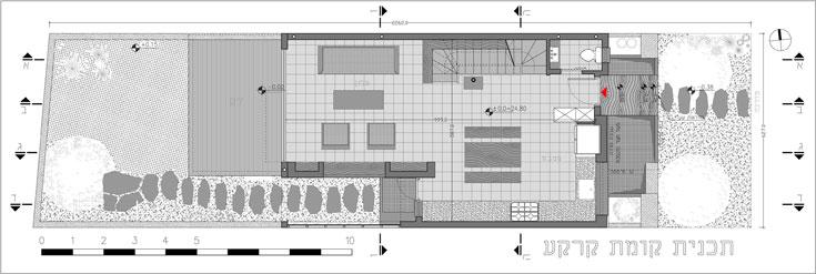 תוכנית קומת הכניסה, בשטח של 63 מ''ר: חלל פתוח לסלון, פינת אוכל ומטבח, גרם מדרגות ושירותי אורחים (תכנית: עמיחי שרון)