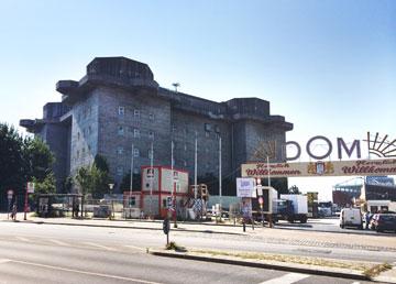 הבונקר בהמבורג שהפך לחנות מוזיקה עם מועדון לילה על הגג (צילום: גילי מרין )