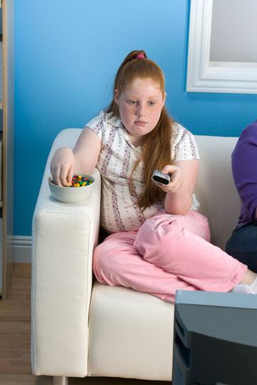 אם אתם רוצים שהילדים יאכלו בריא עליכם לשמש דוגמה אישית (צילום: thinkstock)