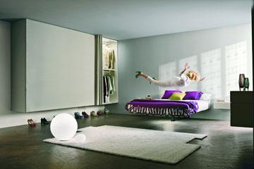 חדר שינה מרחף. הקולקציה של Lago מאיטליה (באדיבות HOME DESIGN-Lago)