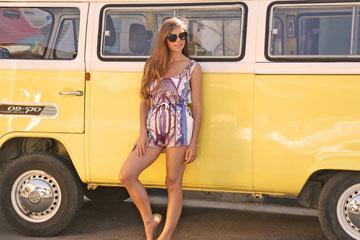 1item. חנות פופ-אפ של אתר האופנה (צילום: אלי בוחבוט)
