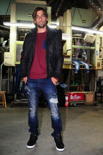 לי קופר. מכנסי ג'ינס בגזרות טובות ומחירים אטרקטיביים (צילום: עומר מסינגר)