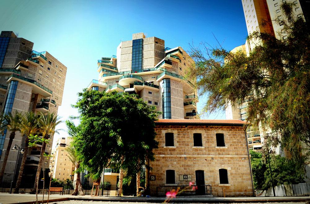 המתחם, שהוכרז ב-1991 כאתר לאומי, מהווה שער לציר המוזיאונים שקם מעפר בעיר העתיקה של בירת הנגב, והוא מהמרכזיים במתחמי שימור המורשת ההיסטורית בבאר שבע (צילום: אבי פז)