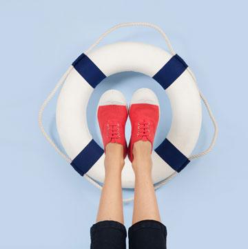 בנסימון, באגו, Kanken. עד 60 אחוז הנחה על נעלי סניקרס ותיקים
