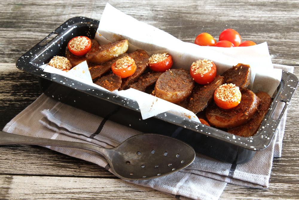 מאפה תפוחי אדמה ועגבניות (צילום: אסנת לסטר)