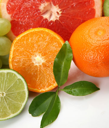 פירות הדר. עשירים בוויטמינים E ,C ,A ובסיבים תזונתיים (צילום: shutterstock)