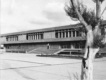 בניין רקנאטי לפני שנוספו לו עוד שתי קומות (באדיבות צפור אדריכלים)