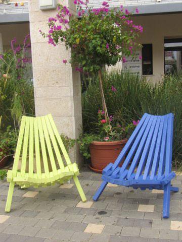 כסאות שמיוצרים בסדנא (צילום: דרורה גדרון)