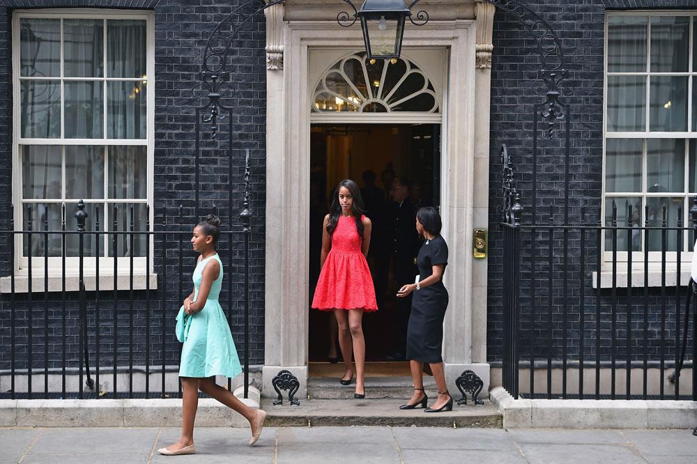 מליה אובמה כובשת את לונדון בשמלה של קייט ספייד (צילום: gettyimages)