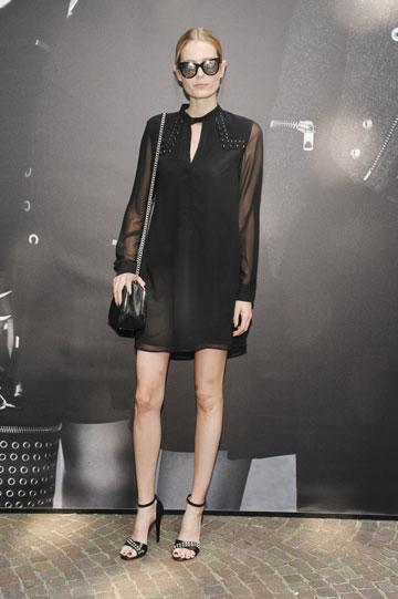 שביט ויזל בתצוגת אופנה של המותג במילאנו