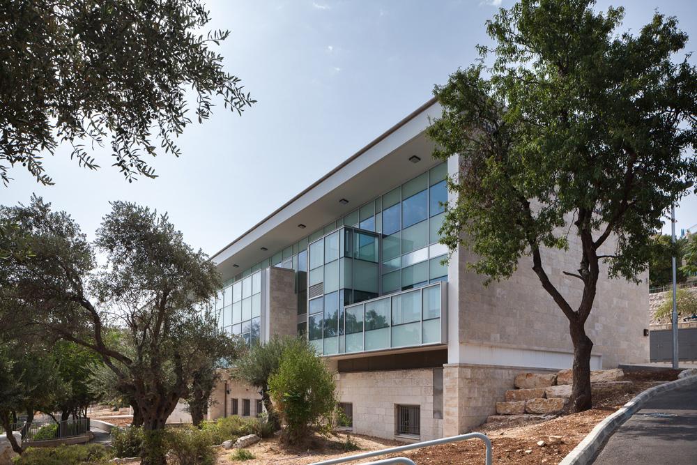 בית מיחא, בתכנון מינץ-מלמד אדריכלים, משתרע על פני 1,800 מ''ר ונותן למרכז הוותיק  - ובעיקר לילדים ולהורים - אוויר לנשימה (צילום: טל ניסים)
