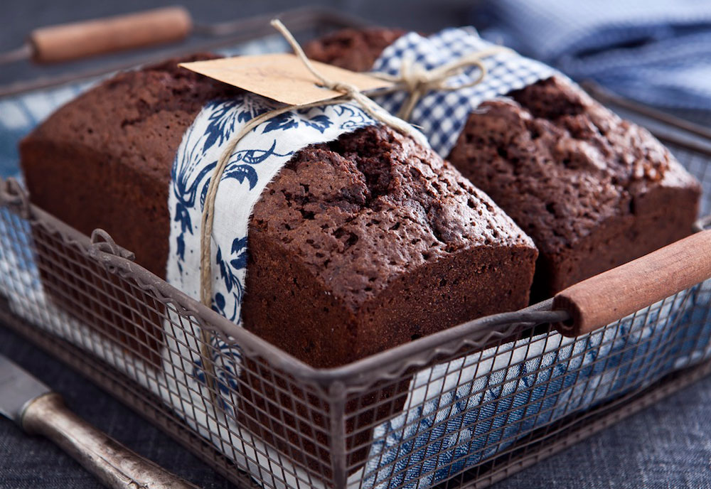 עוגת שוקולד-דבש (צילום: שירן כרמל, סגנון: שרון טמיר)