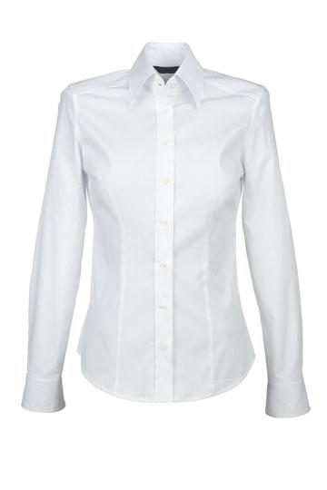 חולצה לבנה מכופתרת, הגרסה הנשית (צילום: shutterstock)