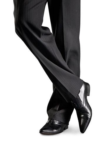 מכנסיים שחורים, הגרסה הגברית (צילום: shutterstock)