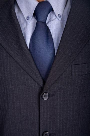 כל גבר חייב לעצמו חליפה אחת טובה בארון (צילום: shutterstock)