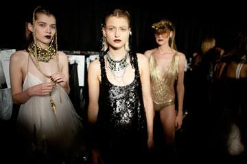 היום קם דור חדש שלוקח את האופנה ברצינות. מתוך שבוע האופנה בתל אביב (צילום: gettyimages)