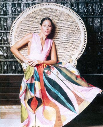 עוד שמלה שעיצבה פיני לייטרסדורף. בשנות ה־60 הייתה בארץ פריחה חסרת תקדים בענפי הטקסטיל והאופנה (מתוך אוסף משפחת לייטרסדורף)